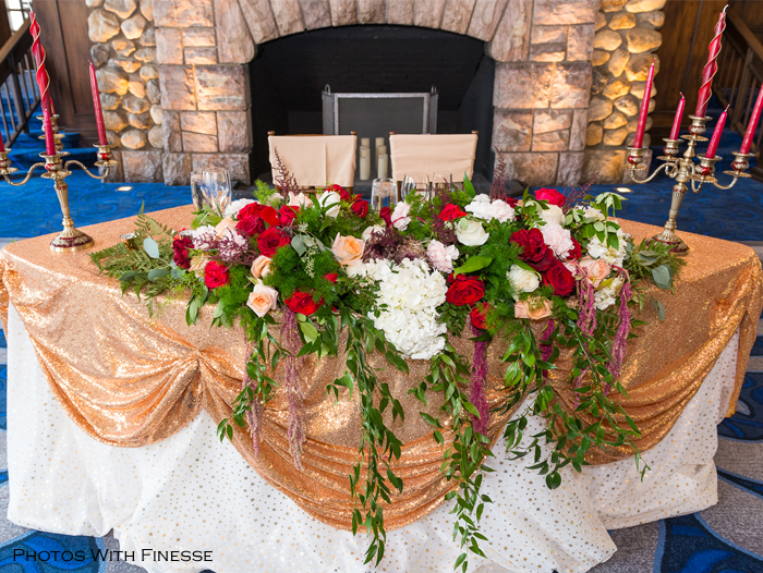 Sweetheart Tables with fabulous florals for Creative Weddings Planning & Decor blog - Wedding Trends For 2018