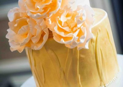 Calgary Wedding Planner Fairmont Palliser Wedding Cake Edward Ross Photography Calgary Bride Gold wedding cake 2196