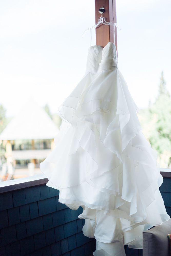 Azuridge Wedding, Creative Weddings Planning & Design, Calgary Wedding Planner, Event Wedding, Fall Wedding, Wedding Planner in Calgary, Wedding Dress