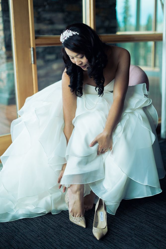 Azuridge Wedding, Creative Weddings Planning & Design, Calgary Wedding Planner, Event Wedding, Fall Wedding, Wedding Planner in Calgary, Newlyweds, Azuridge Wedding Getting Ready