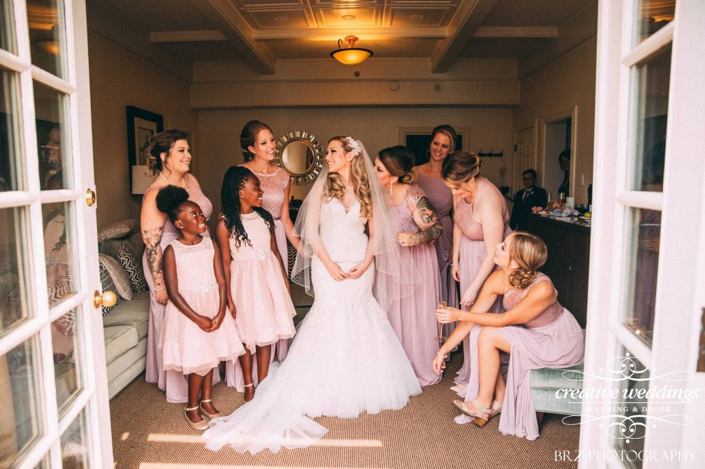 Bride and bridesmaids, Fairmont Chateau Lake Louise Wedding, Creative Weddings Planning & Design, Getting Ready, Real Wedding